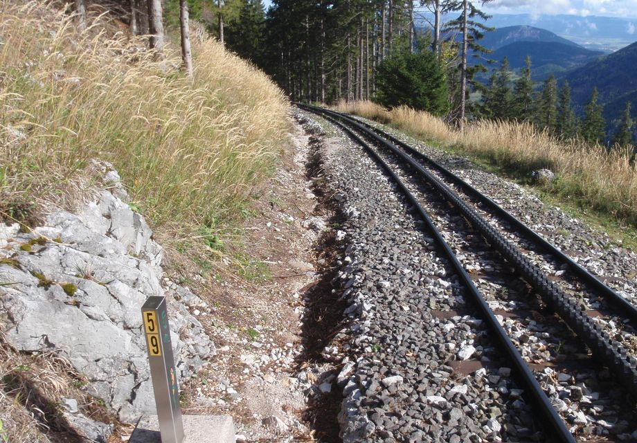 Photo: Schneeberg railway: Measuring equipment next to the tracks of a narrow-gauge high Alpine railway line